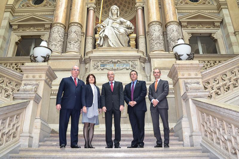 Illustration: Besuch der obersten Richter der Republik Panama beim Obersten Gerichtshof
