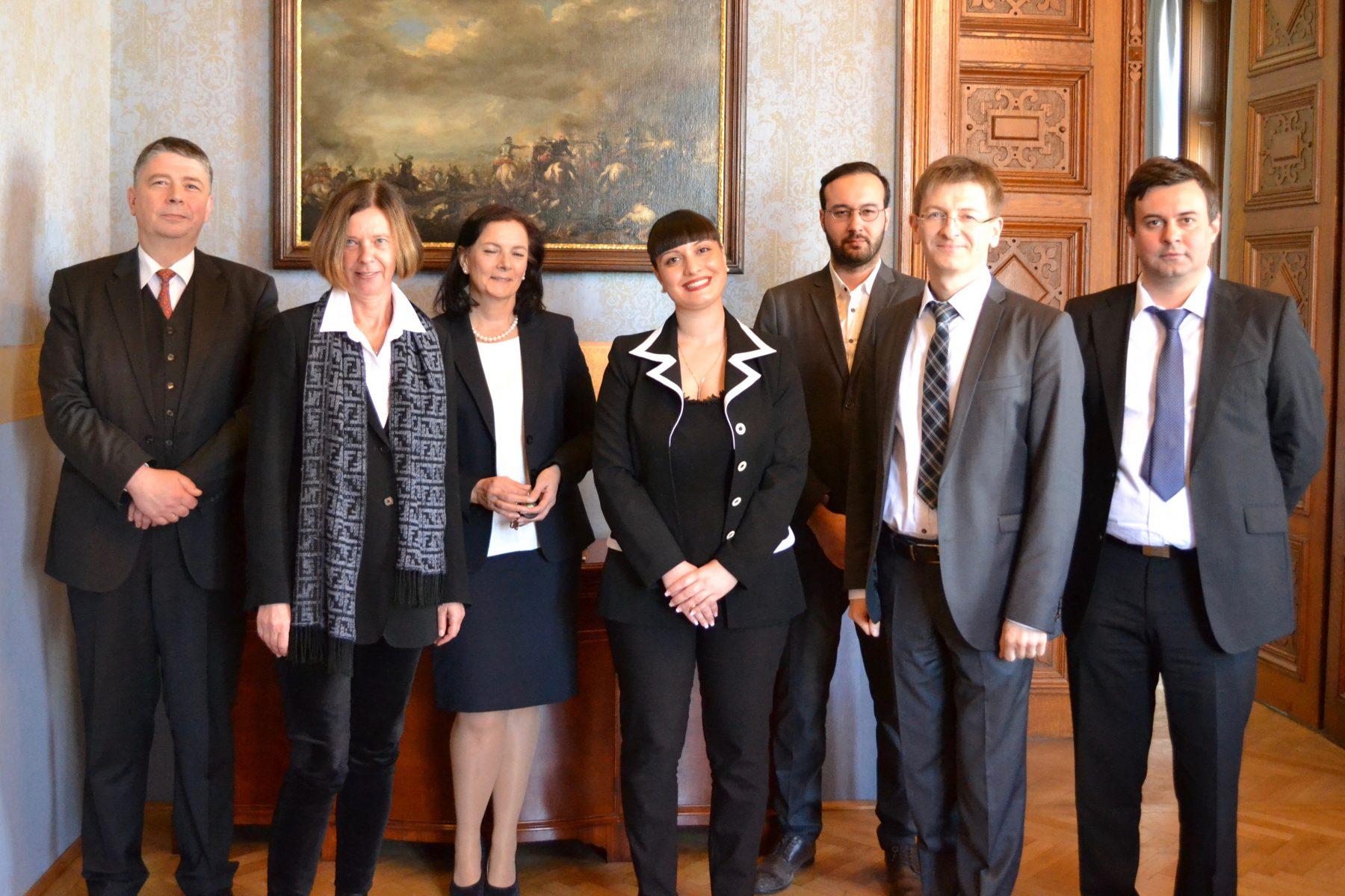Gruppenfoto mit der georgischen Justizdelegation
